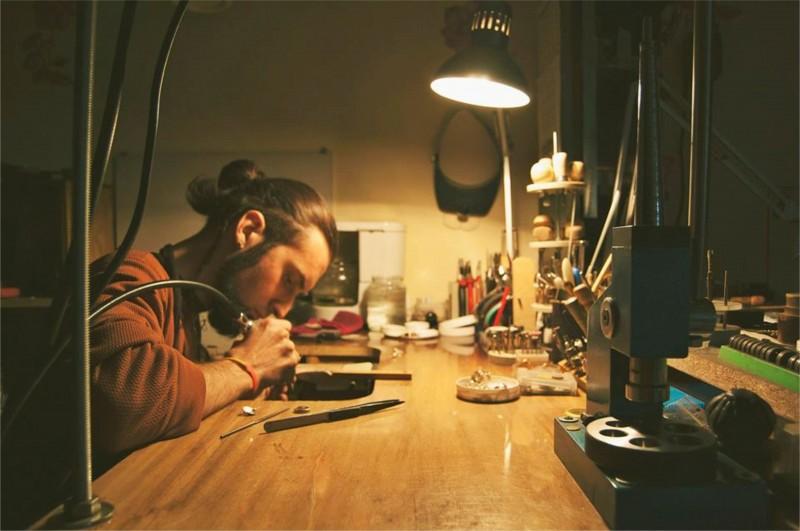 Atkaklus darbas yra ir meno, ir gyvenimo dėsnis. – O. de Balzakas.